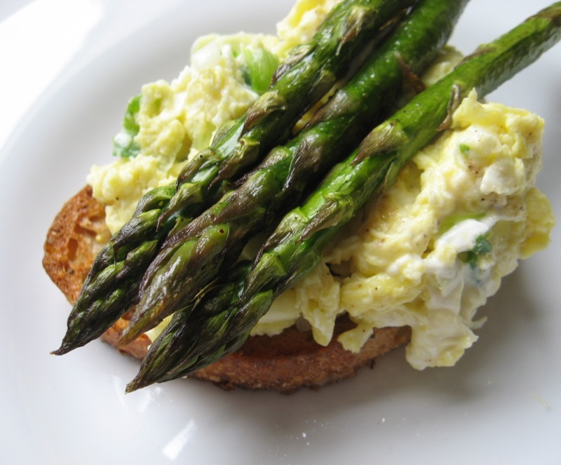 asparagus goat cheese scrambled eggs