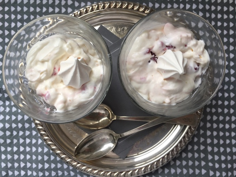 raspberries cream meringues
