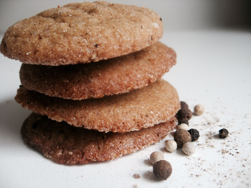 molasses pepper cookies
