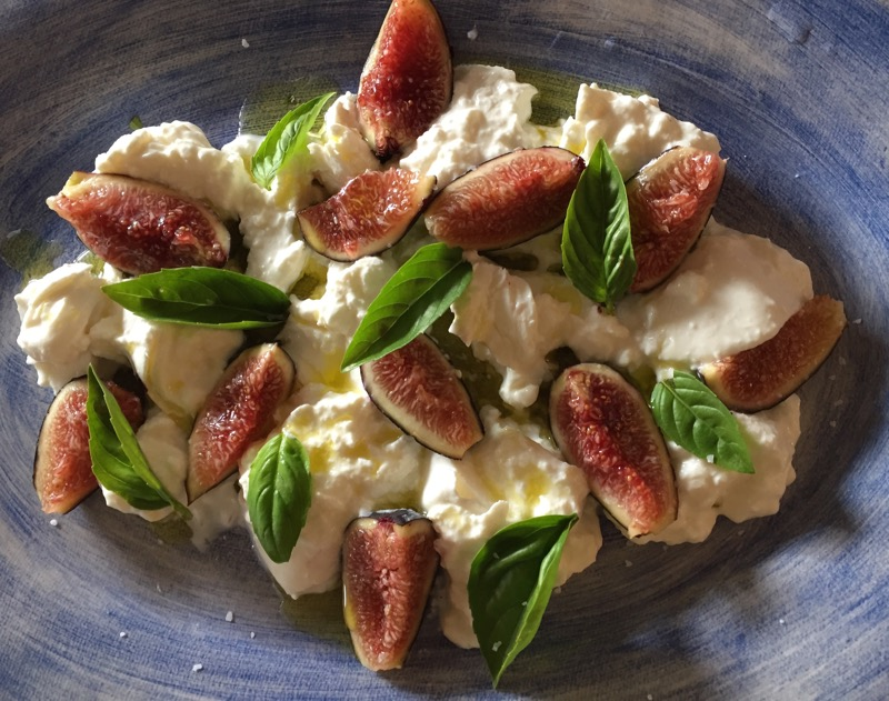 caprese with figs